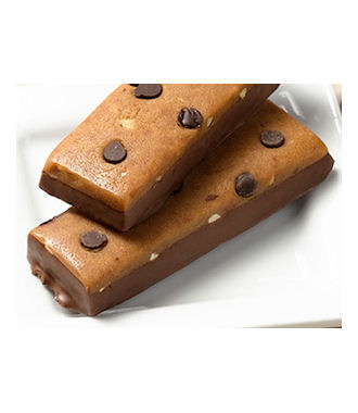 Peanut Butter Chocolate Chip Chewy Bar_featured
